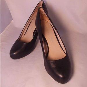 Rockport heels size 8